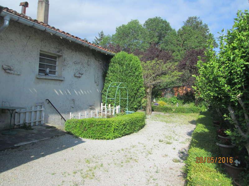 Maison de village plain pied jardin et garage prix en for Immobilier achat